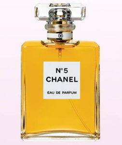 549e43dbc7388_-_coco-nuts-the-women-of-chanel-no-5-lg